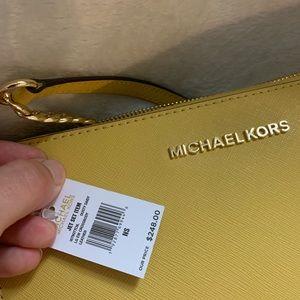 MICHAEL Michael Kors Bags - NWT Michael Kors Large Jetset Crossbody